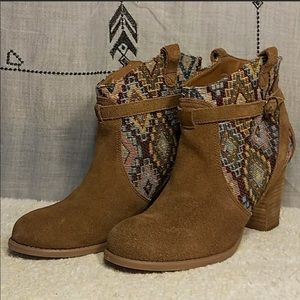 American Eagle brown leather tribal boots,Sz 9